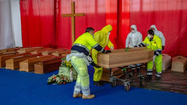 İtalya'da rekor kırıldı, ölü sayısı bine dayandı