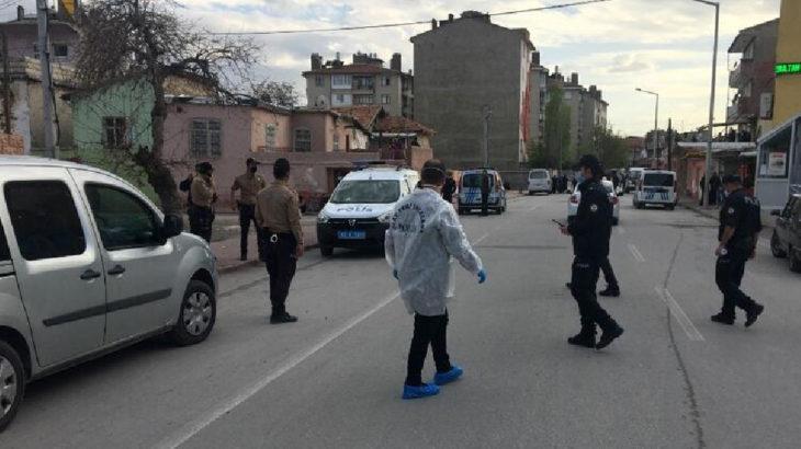 Konya Karatay'da bir araçtan pompalıyla ateş açıldı: 5 yaralı