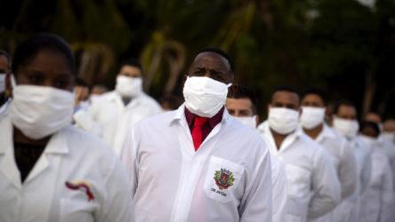 Küba koronavirüsle mücadele için Güney Afrika'ya 216 kişilik sağlık ekibi gönderdi