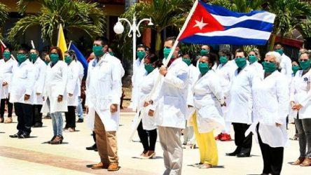 Küba koronavirüsle mücadele için Katar'a sağlık ekibi gönderdi