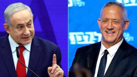 İsrail'de Netanyahu ve Gantz el sıkıştı