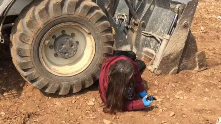 Yerli tohum üretim tarlasına giren kepçenin önüne yatan profesör, hukuk mücadelesini kazandı