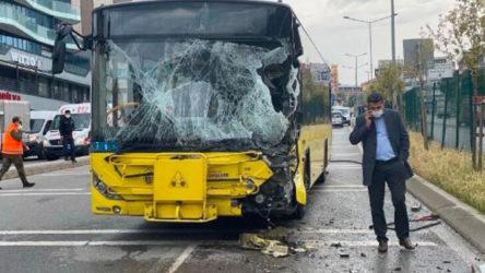 İETT otobüsü sulama aracına çarptı: 9 kişi yaralandı