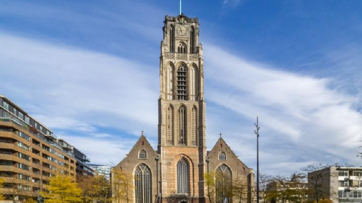 Camide Çav Bella tartışmaları sürerken... Kilise çanlarıyla Aşık Veysel
