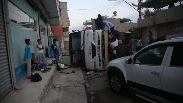 Adana'da tarım işçilerini taşıyan iki araç çarpıştı: 12 işçi yaralandı