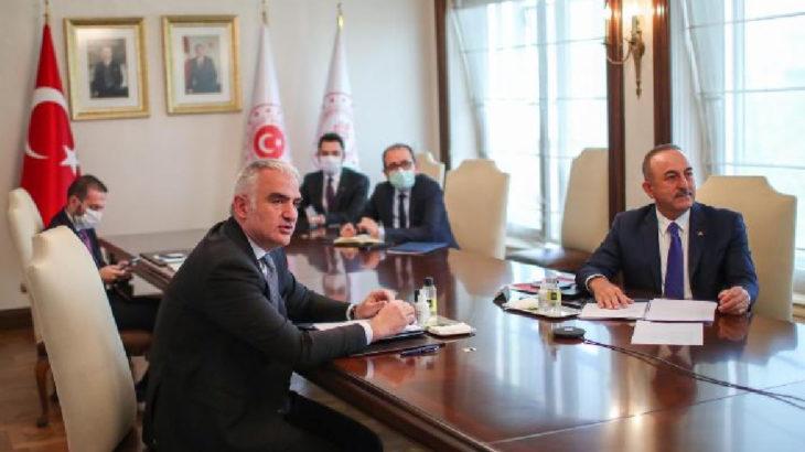 AKP'de rüşvet kavgası: AKP'li Belediye Başkanı, Bakan'a 'Yazıklar olsun' deyip toplantıyı terk etti!