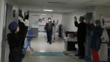 Batman'da koronavirüsü yenen sağlık emekçisi Çavbella Marşı'yla taburcu edildi