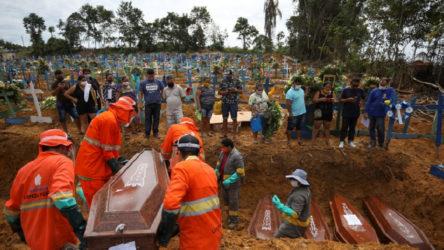 Son 24 saatte Brezilya'da 1086, Meksika'da 463 kişi koronavirüsten hayatını kaybetti