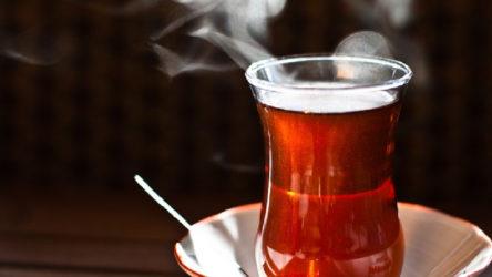 Online seminerde gericilik: Öğretmen 'ramazanda çay içiyorsunuz' diye uyarıldı