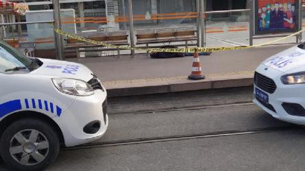Tramvay durağında ceset bulundu