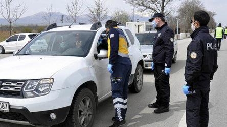 Gaziantep'ten sahte seyahat belgesiyle yola çıkan 45 kişi Kastamonu'da yakalandı