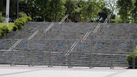 Gezi Parkı ve çevresi polis bariyerleriyle kapatıldı
