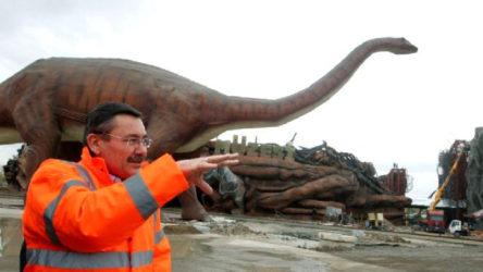 Melih Gökçek hakkında 'dinozor'lu suç duyurusu