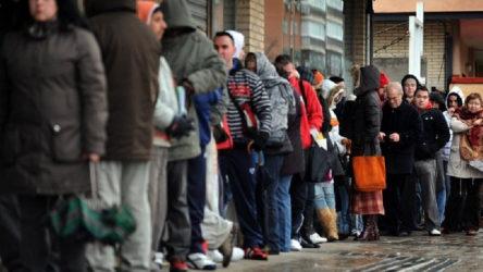 İngiltere'de işsizlik maaşına başvuranların sayısı 2 milyonu geçti