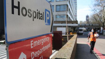 İngiltere'de sağlık hizmetleri aylarca normale dönemeyebilir