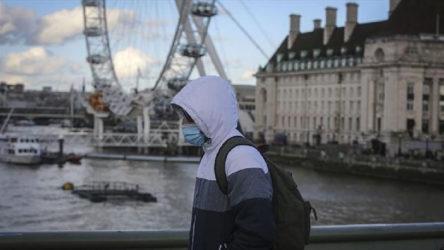 İngiltere'de koronavirüs kaynaklı can kaybı 100 bini aştı