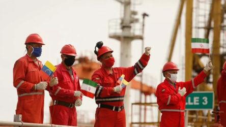 İran'ın gönderdiği petrol tankerlerinden ikincisi de Venezuela karasularına ulaştı