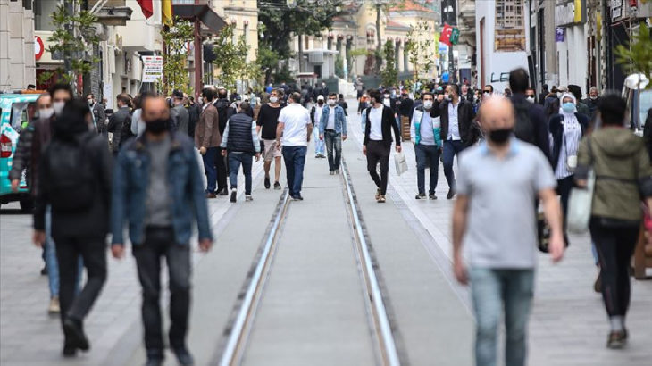 İBB anketi: İstanbullunun yüzde 60.2'si geçinecek kadar para kazanamıyor