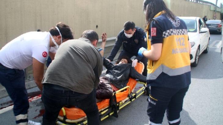 İstanbul Şişli'de yoldan geçen araçları taşlayan kişi bıçaklandı