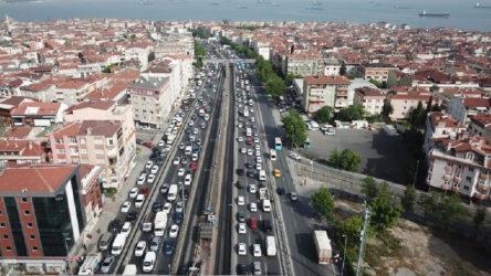 İstanbul'da trafik yoğunluğu son 2 ayın en yüksek seviyesinde!