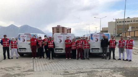 Karantina köylerine yardım ulaştırmayan Kızılay, Tatvan'da AKP'li belediye ile yemek dağıtacak