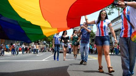 Kosta Rika eşcinsel evliliği tanıyan 29. ülke oldu