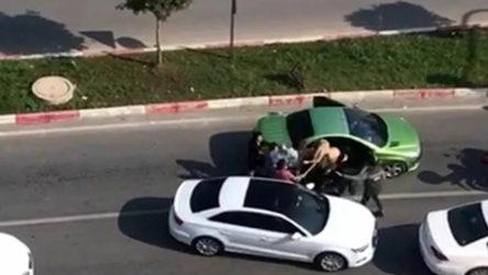 Mersin'de vahşet: Trafikte tartıştığı 3 kadını sopayla dövdü