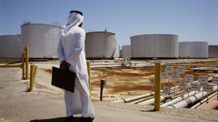 Suudi Arabistan'ın petrol gelirleri yüzde 25 azaldı