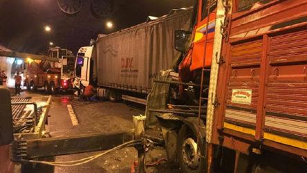 Tünelde zincirleme kaza: Ankara yönü ulaşıma kapandı