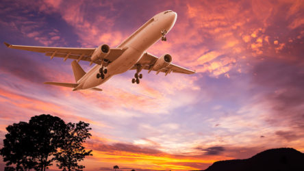 Rusya'nın uzak doğusunda seferde olan yolcu uçağı ile iletişimin kesildiği duyuruldu