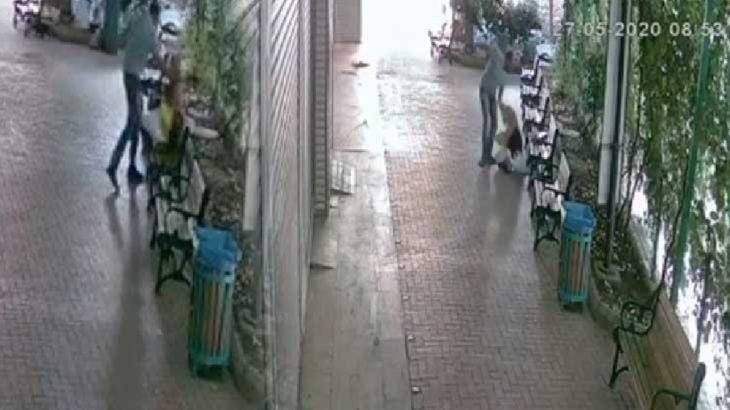 Sokakta yürürken tekme tokat saldırıya uğradı