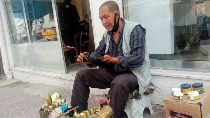 Yediği cezadan sonra ilk kez dışarı çıkan 68 yaşındaki yurttaş, izni ayakkabı boyayarak geçirdi