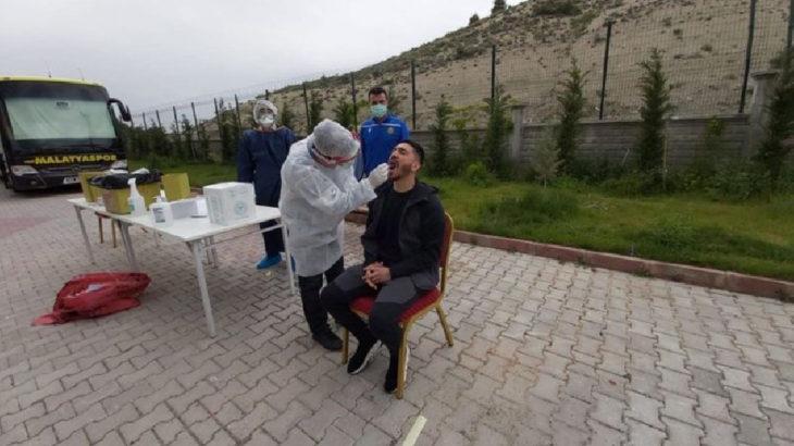 Yeni Malatyaspor'un 4 futbolcusu ve 1 çalışanında koronavirüs tespit edildi