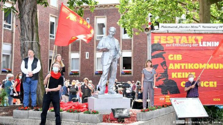 Almanya'da Lenin heykeli dikildi
