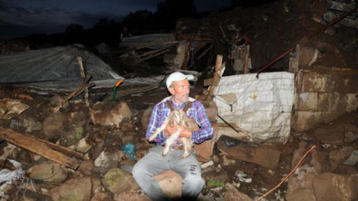 Bingöl ve Erzurum'a bağlı köylerde büyük hasar