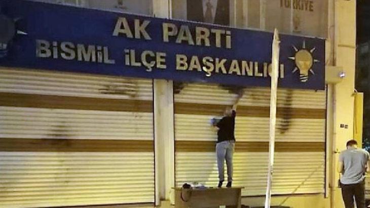 AKP ilçe binasına molotoflu saldırı