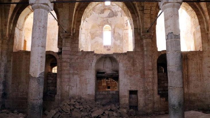 Urfa'da talan edilen tarihi kilise kaderine terk edildi