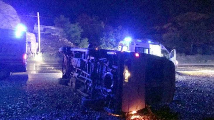 Gümüşhane'de inşaat işçilerini taşıyan midibüs devrildi: 8 yaralı