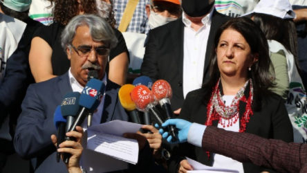 HDP, Hakkari ve Edirne'den başlattığı yürüyüşü Ankara'da açıklanan deklerasyonla sonlandırdı