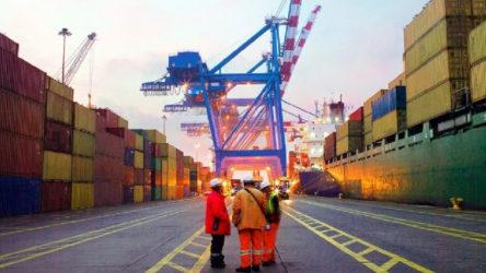 İran'dan 2 bin 500 ürüne ithalat yasağı