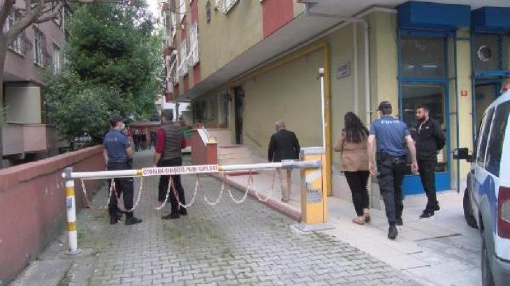 Kadıköy'de kadın cinayeti: Eşini boğarak öldürdü, polis gelene kadar başında bekledi