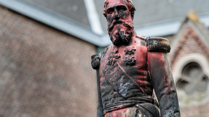 VİDEO | Sıra Belçika'da: Sömürgeci kral Leopold'un heykeli kaldırıldı