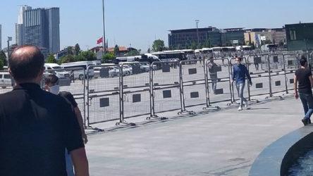 'Savunma Mitingi' öncesi polis alanı kapattı
