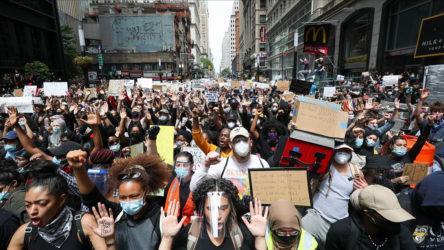 New York'ta eylemler nedeniyle ilan edilen sokağa çıkma yasağı iptal edildi