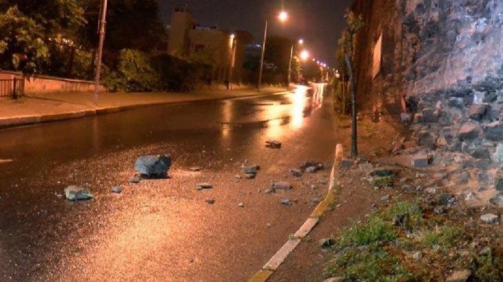 İstanbul'da tarihi surlardan kopan taşlar yola savruldu