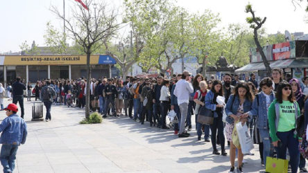 Yasak kalktı, İstanbullular Adalar'a akın etti