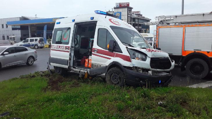 Zonguldak'ta ambulans ile otomobil çarpıştı: 1 ölü, 1 yaralı