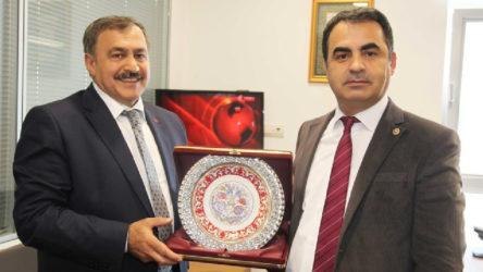 Sivas Katliamı sanıklarının avukatı İzmir'de baro kuruyor