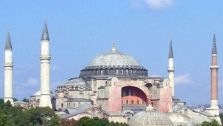 AKP'li vekilden Ayasofya iddiası