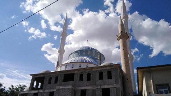 Kayseri'de bir genç minareden kendini attı